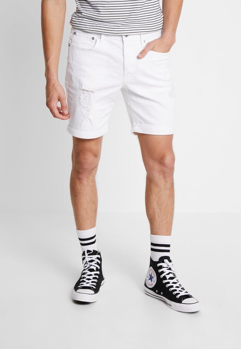 Jack & Jones - JJIRICK JJORIGINAL - Denim shorts - white