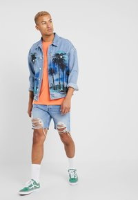 Jack & Jones - JJICHRIS JJORIGINAL - Jeansshort - blue denim - 1