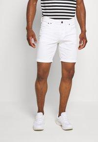 Jack & Jones - JJIRICK ORIGINAL - Shorts - white - 0
