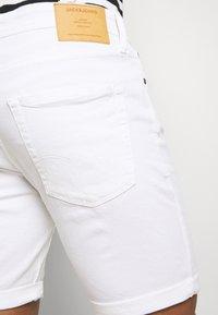 Jack & Jones - JJIRICK ORIGINAL - Shorts - white - 5
