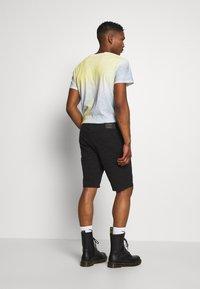 Jack & Jones - JJIRICK ORIGINAL - Shorts - black - 2