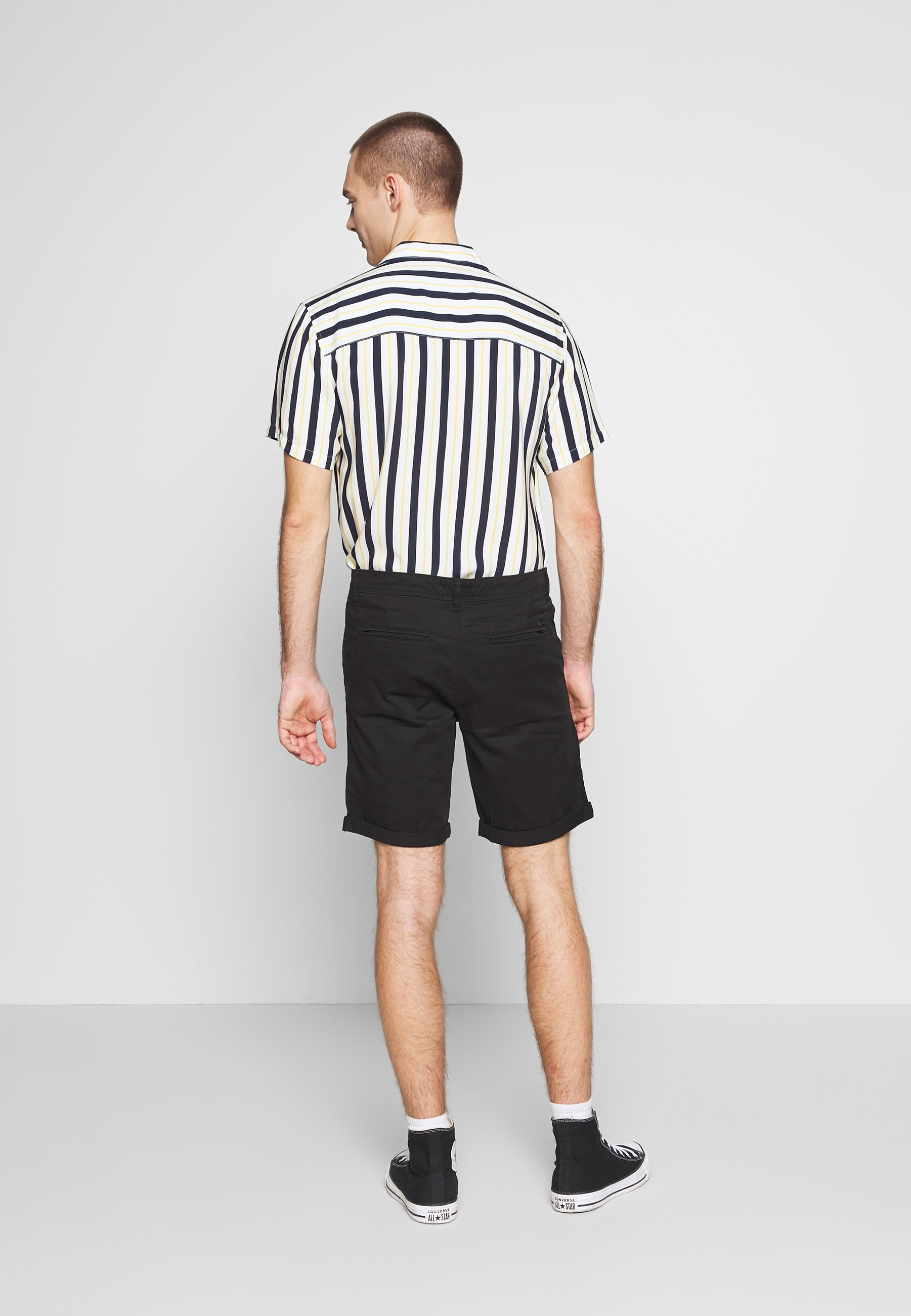 Jack & Jones JJIBOWIE 2PACK - Shorts - black/dusty olive