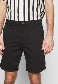 Jack & Jones - JJIBOWIE 2PACK - Shorts - black/dusty olive - 3