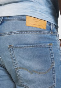 Jack & Jones - JJIRICK JJICON - Szorty jeansowe - blue denim - 4