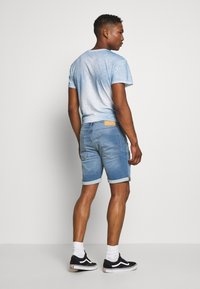 Jack & Jones - JJIRICK JJICON - Szorty jeansowe - blue denim - 2