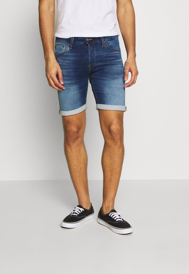 JJIRICK JJICON - Jeansshort - blue denim