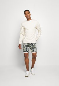 Jack & Jones - JJIBOWIE  - Shorts - navy blazer - 1