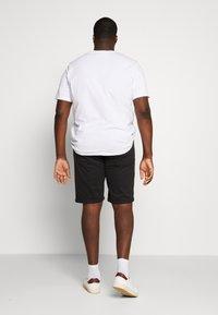 Jack & Jones - JJIRICK ORG SHORT AKM 799 PS - Denim shorts - black - 2