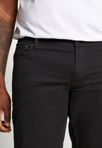 Jack & Jones - JJIRICK ORG SHORT AKM 799 PS - Denim shorts - black - 4