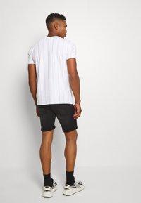 Jack & Jones - JJIRICK JJICON SHORTS  - Denim shorts - black denim - 2