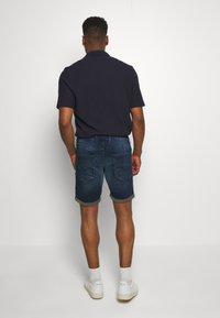 Jack & Jones - IRICK  - Denim shorts - blue denim - 2
