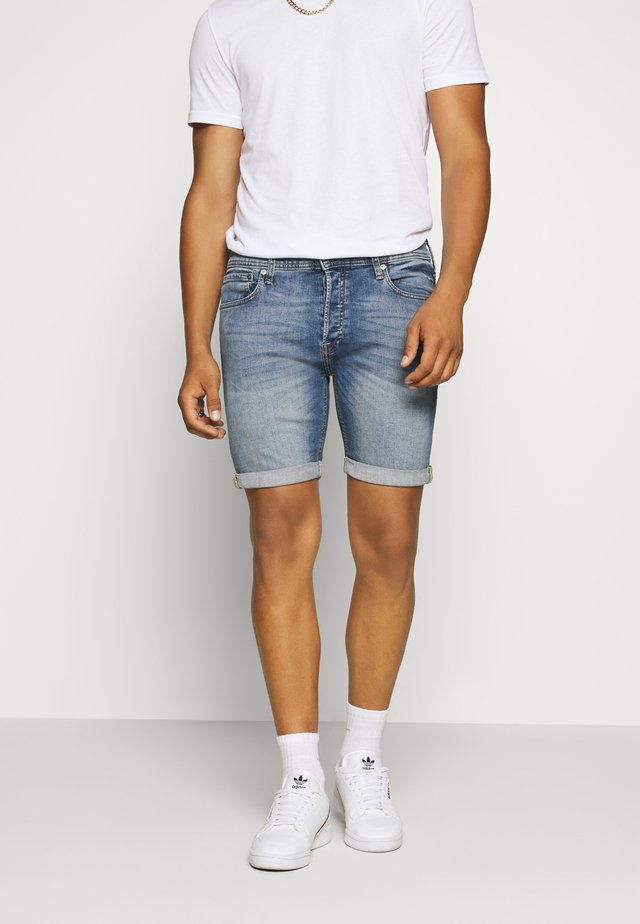 JJIRICK JJORIGINAL - Jeansshort - blue denim