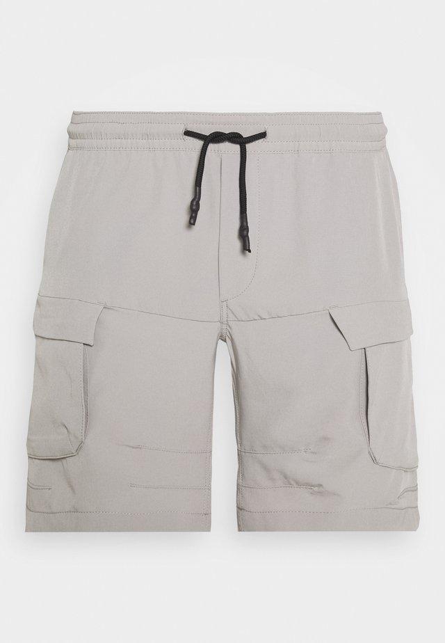 JJILIFE JJCARGO  - Shorts - drizzle