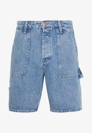 JJITONY JJUTILITY - Szorty jeansowe - blue denim