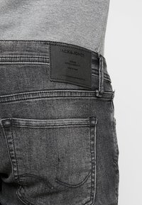 Jack & Jones - JJIGLENN JJORIGINAL - Vaqueros slim fit - black denim - 5