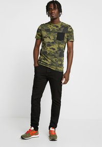 Jack & Jones - JJIGLENN JJORIGINAL - Džíny Slim Fit - black denim - 1