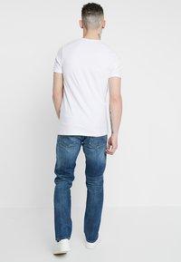 Jack & Jones - JJICLARK JJORIGINAL JOS - Jeans straight leg - blue denim - 2