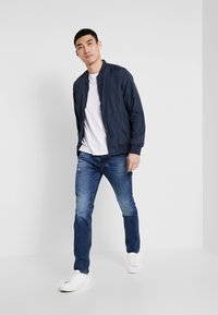 Jack & Jones - JJIGLENN JJORIGINAL  - Slim fit jeans - blue denim - 1