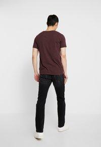 Jack & Jones - JJIGLENN JJORIGINAL  - Jeans slim fit - black denim - 2