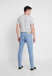 Jack & Jones - JJIFRED JJTOOL - Jeans Tapered Fit - blue denim - 2