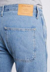 Jack & Jones - JJIFRED JJTOOL - Jeans Tapered Fit - blue denim - 5