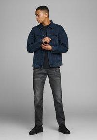 Jack & Jones - SLIM FIT - Jeans slim fit - blue denim - 1