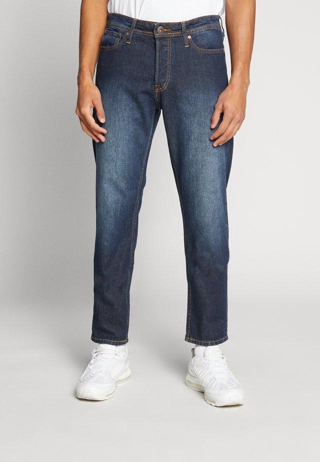 JJIMIKE JJORIGINAL - Jeansy Straight Leg - blue denim