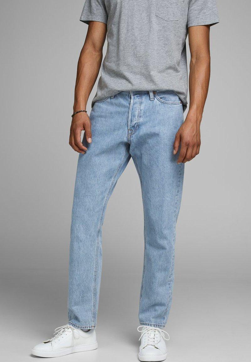 Jack & Jones - CHRIS  - Straight leg jeans - blue