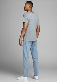 Jack & Jones - CHRIS  - Straight leg jeans - blue - 2