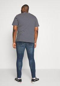 Jack & Jones - JJILIAM JJORIGINAL  - Slim fit jeans - blue denim - 2