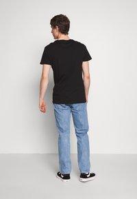 Jack & Jones - JJIMIKE JJORIGINAL - Slim fit jeans - blue denim - 2