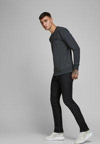 Jack & Jones - SLIM FIT JEANS  - Jeans slim fit - blue - 3