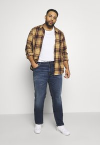 Jack & Jones - JJIGLENN JJORIGINAL SIK  - Slim fit jeans - blue denim - 1
