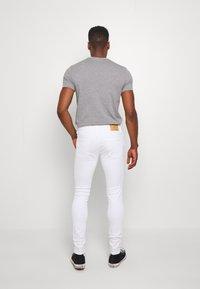 Jack & Jones PREMIUM - JJILIAM JJORIGINAL  - Slim fit jeans - white denim - 2