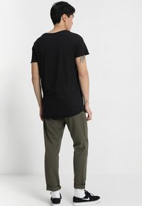 Jack & Jones - JJEBAS TEE - Basic T-shirt - black - 2