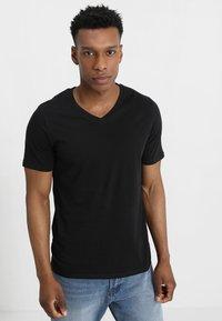 Jack & Jones - JJEPLAIN  - T-shirt - bas - black - 0