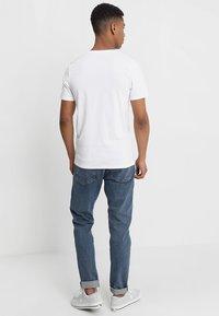 Jack & Jones - JJECORP LOGO CREW NECK  - Print T-shirt - white - 2
