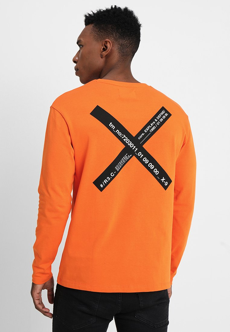 Jack & Jones - JCOFABRIC TEE CREW NECK - Long sleeved top - persimmon orange