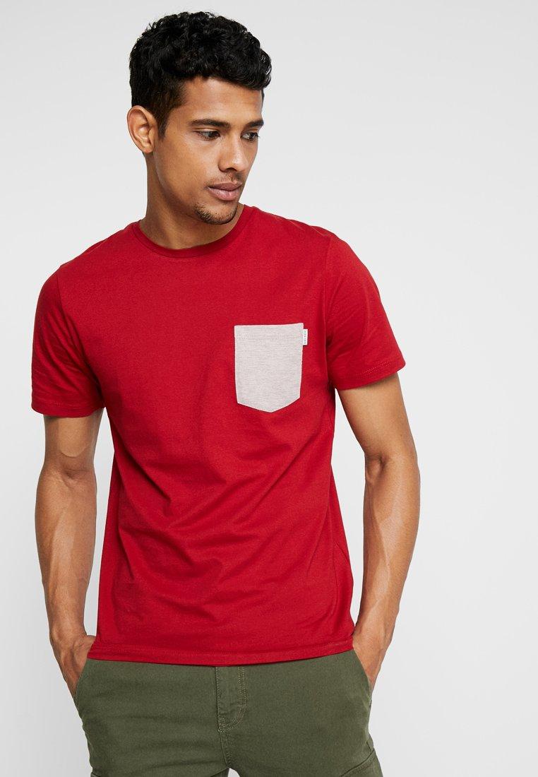 Jack & Jones - JCOBOSTON TEE CREW NECK SLIM FIT - T-shirt basic - tango re