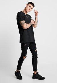 Jack & Jones - JCOLIME TEE CREW NECK - T-Shirt print - black - 1
