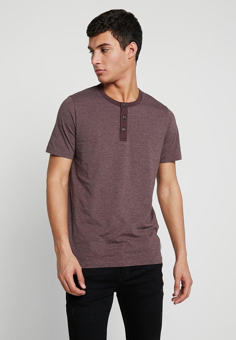 Jack & Jones - JCOSUNE TEE CREW NECK - T-Shirt print - fudge/melange