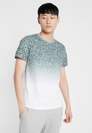 JORSPOTPARK TEE CREW NECK REGULAR FIT - T-shirt med print - green bay