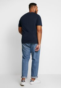 Jack & Jones - JJELOGO TEE  CREW NECK  - Print T-shirt - navy - 2