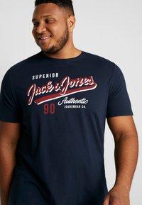 Jack & Jones - JJELOGO TEE  CREW NECK  - Print T-shirt - navy - 3