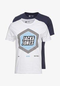 Jack & Jones - 2PACK JCOBOOSTER TEE CREW NECK  - T-shirt print - maritime blue/white - 3