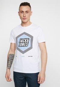 Jack & Jones - 2PACK JCOBOOSTER TEE CREW NECK  - T-shirt print - maritime blue/white - 1