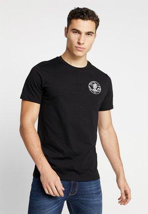JORFLAM TEE CREW NECK - Print T-shirt - black