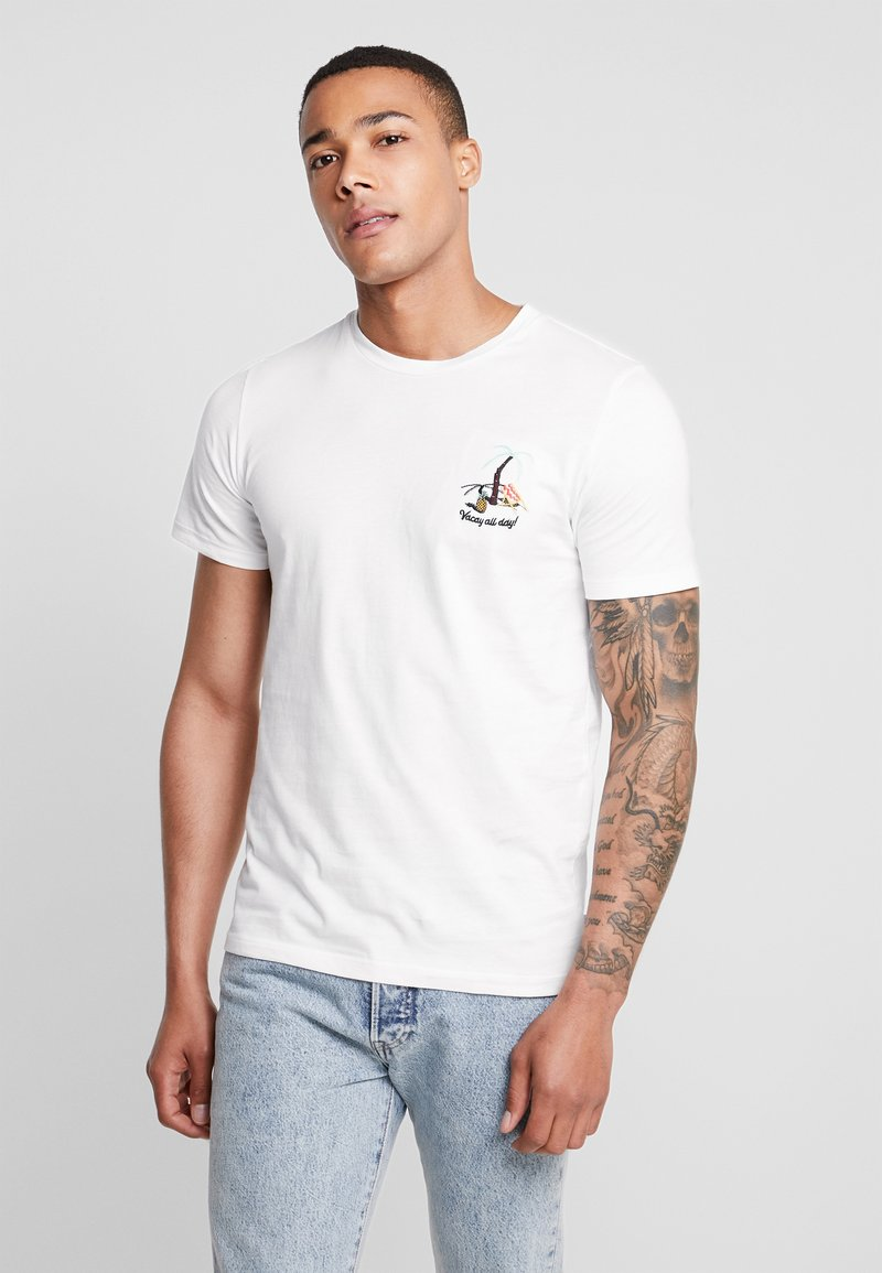 Jack & Jones - JORCHESTER TEE CREW NECK - T-shirt print - cloud dancer