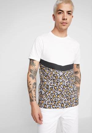 JORTROPICA TEE CREW NECK - Print T-shirt - cloud dancer