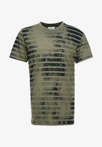 Jack & Jones - JORPLOP TEE CREW NECK - Print T-shirt - dusty olive - 3